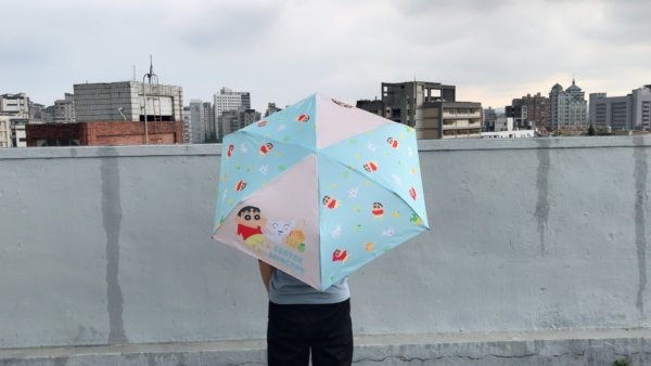 蠟筆小新彎把折疊雨傘_01